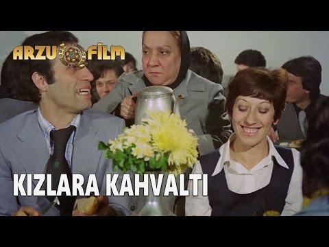 Eski Filmler - Hababam Sınıfı Tatilde - Kızlara Kahvaltı