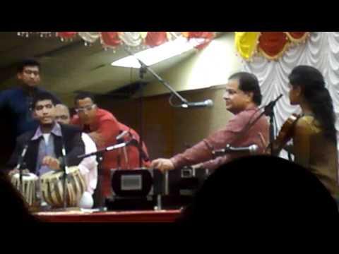 Tum Itna Jo Muskura Rahe Ho sang by Anup Jalota