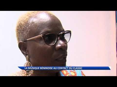 La star béninoise Angélique Kidjo chante avec l'orchestre  Philharmonic du Luxembourg