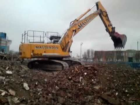 Liebherr excavator 944B Demolition