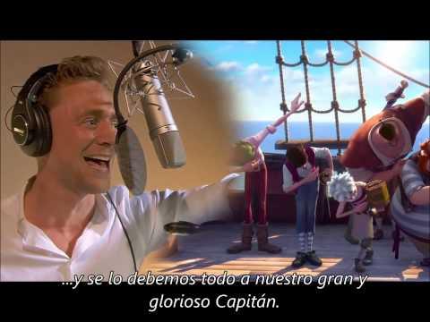 Tom Hiddleston cantando para