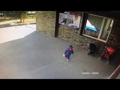 Укравших детскую коляску женщин, разыскивает полиция Костаная-12.10.17