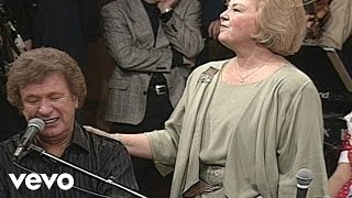 Bill & Gloria Gaither - Give Them All to Jesus (Live)