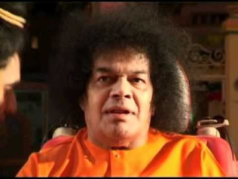 SAI BABA MATERIALISATION - PROOF!!.AVI