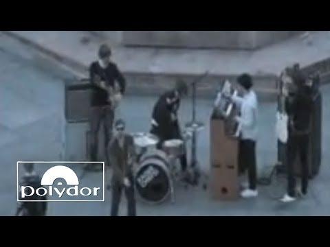 Kaiser Chiefs - Love