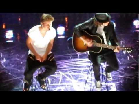 Justin Bieber - Pray Live video