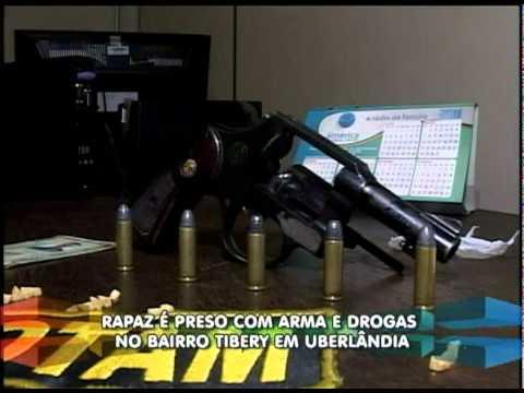 Polícia apreende arma e drogas no bairro Tibery em Uberlândia