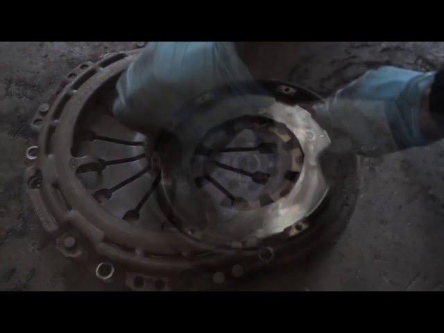 Замена сцепления пежо 406  видео