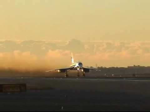 Concorde Final Take off  BA  (Awesome Angle)
