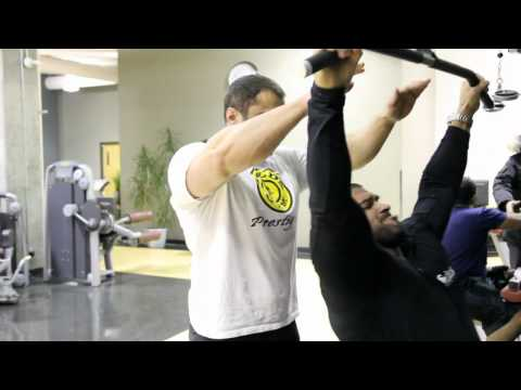 VIP Training Video: Wide-Grip Lat Pulldowns with Santana and Salim