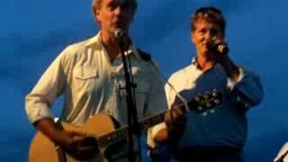 John Schneider and Byron Cherry perform The Good Ol Boys