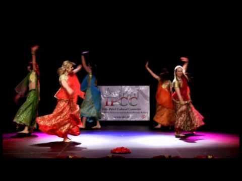 Nagada sang dhol by Mohini Dance Group