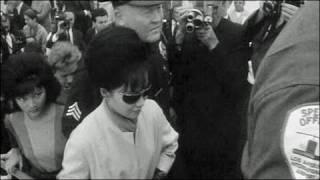Cảnh bà Ngô Đình Nhu rời LA đi Rome sau khi chồng bị giết