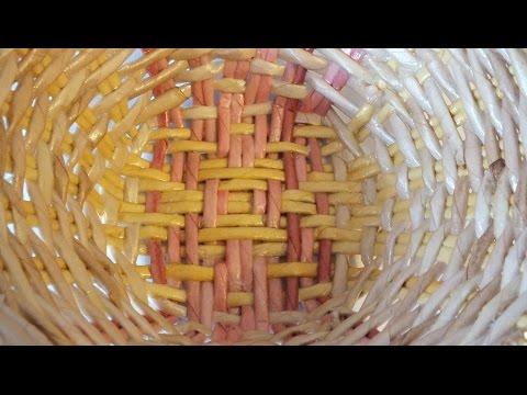 Плетение из газет декоративная тарелка мастер класс  weaving newspapers periódicos de tejer