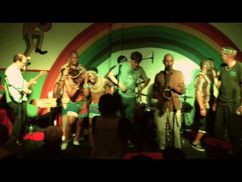Oliver Mtukudzi + Shabalala Rhythm + Akalé Wubé  Rainbow Restaurant, Durban video