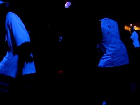 Step / Line Dance - Lathun - Freak It
