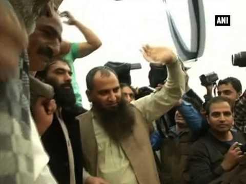 Masarat Alam waves Pak flag at Srinagar rally, raises anti-India slogans