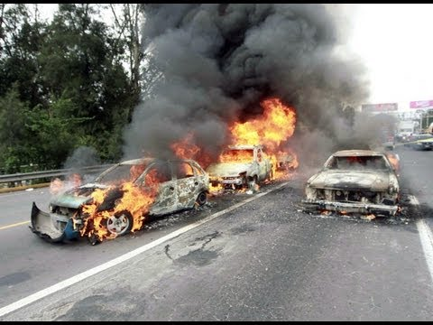 """Graban Fuerte Balacera """"Militares Vs Narcos"""" y Explocion de Camioneta en juarez Nuevo Leon"""