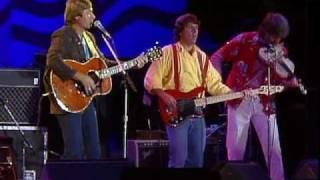 John Denver & Nitty Gritty Dirt Band - Thank God I'm A Country Boy (Live at Farm Aid 1985)