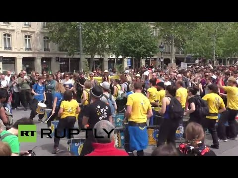 LIVE: Thousands plan to march against Monsanto in Paris
