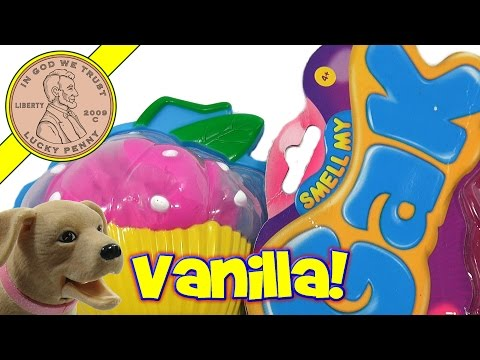LPS-Dave And Butch Check Out A Vanilla Scented Smell My GAK Cupcake