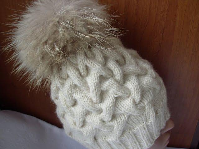 Вязание спицами шапочек с узором косами