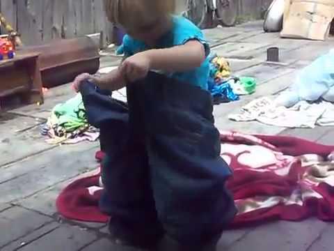 ЭТИ СМЕШНЫЕ ДЕТИ! Маленькая Таня в папиных штанах! Приколы с детьми
