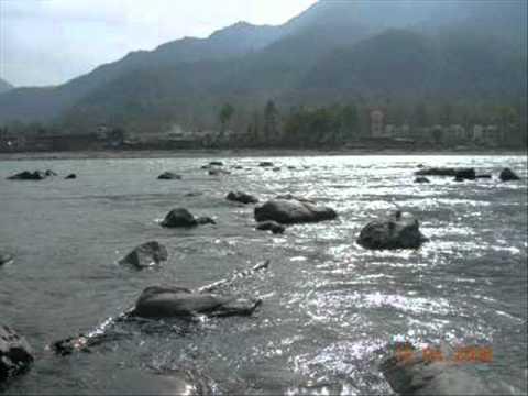 O Ganga Beheti Ho Kyun-Nidhi Sarin.wmv