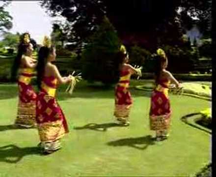 Tari Pendet Dari Bali Indonesia video