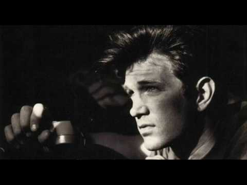 Chris Isaak - Pretty Girls Dont Cry