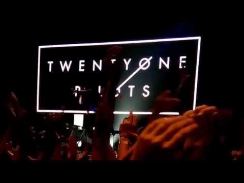 Car Radio - Twenty One Pilots [Live In Bangkok 2015][Sound Box]
