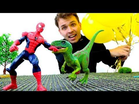 Человек Паук и Динозавры Юрского Периода. Видео с игрушками.