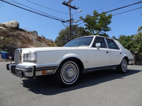 Bustle Back Lincoln Continental 1982 Givenchy / Signature V8  Test Drive For Sale Video Review