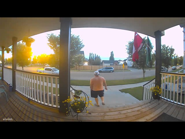 Get Back To The Porch!!1 - Video