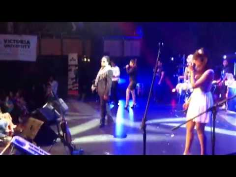 Mika singh live in sydney 06:03:2013 dhinka chika