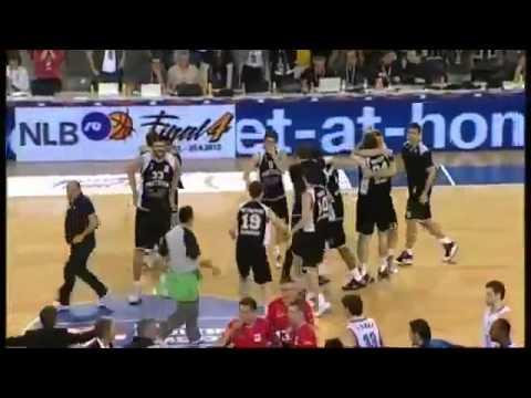 Спортивные приколы, супер прикол в баскетболе, ржач полнейший!