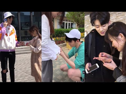 Download Confess Love To Handsome Boy in The Public/Look at they reaction Mp4 baru