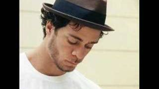 Watch Amos Lee Careless video