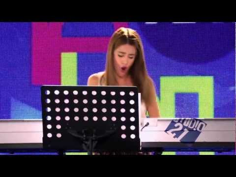 Violetta - Momento musical : Violetta canta Junto a ti