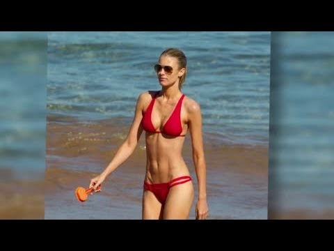 Paige Butcher Scorches on Hawaii Beach - Splash News