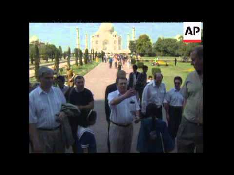 INDIA: RUSSIAN NATIONALIST LEADER VLADIMIR ZHIRINOVSKY VISIT