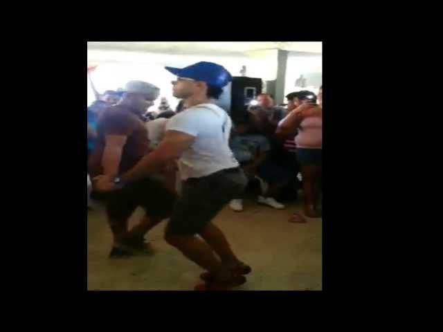3 Pajaros (Gay) Bailando (Mejor Baile 2013)