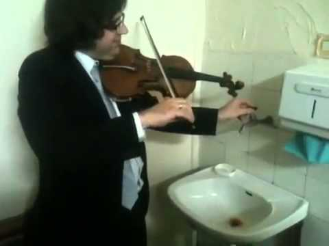 Triple concerto for faucet, water pipes and fiddle