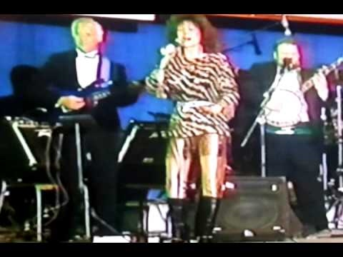 Loretta Lynn uso tour 1988 coal miners daughter