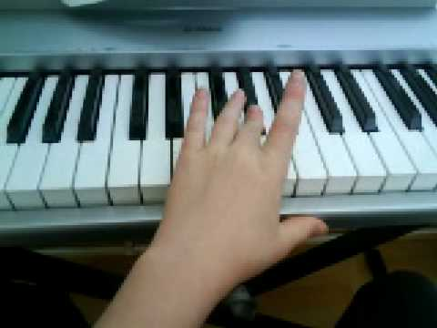 how to play jaws theme on piano easy