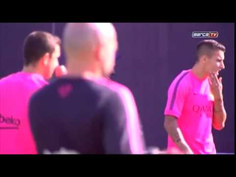 Luis Enrique holds his first Barcelona training session