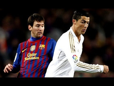 Cristiano Ronaldo  dribla messi
