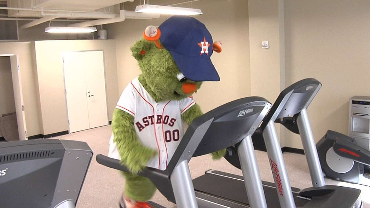 Astros' Orbit tests out new fitness center at Minute Maid
