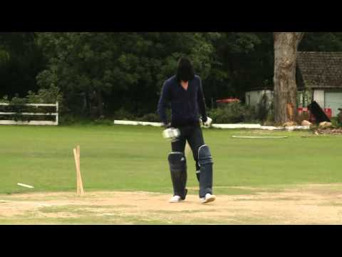 Kevin Pietersen plays cricket blindfolded - Exclusive