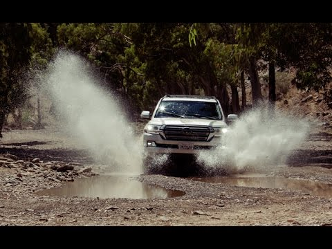 2016 Toyota Land Cruiser Review - First Drive